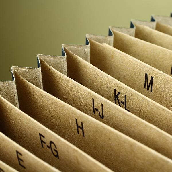 Dokumenty zprzegrodami alfabetycznymi